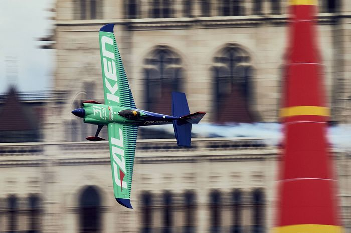 Red bull air race report 2017 yoshi muroya official site - Red bull content pool ...
